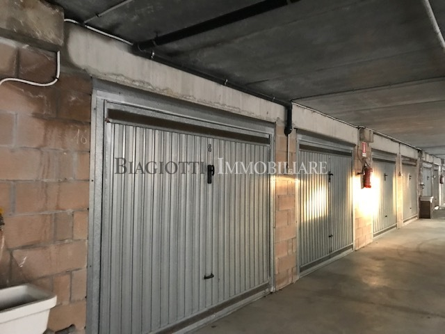 Garage / Posto Auto - Coperto a Livorno