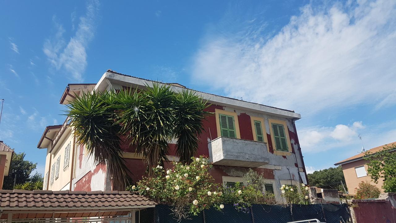 Casa Indipendente in discrete condizioni in vendita Rif. 10176217