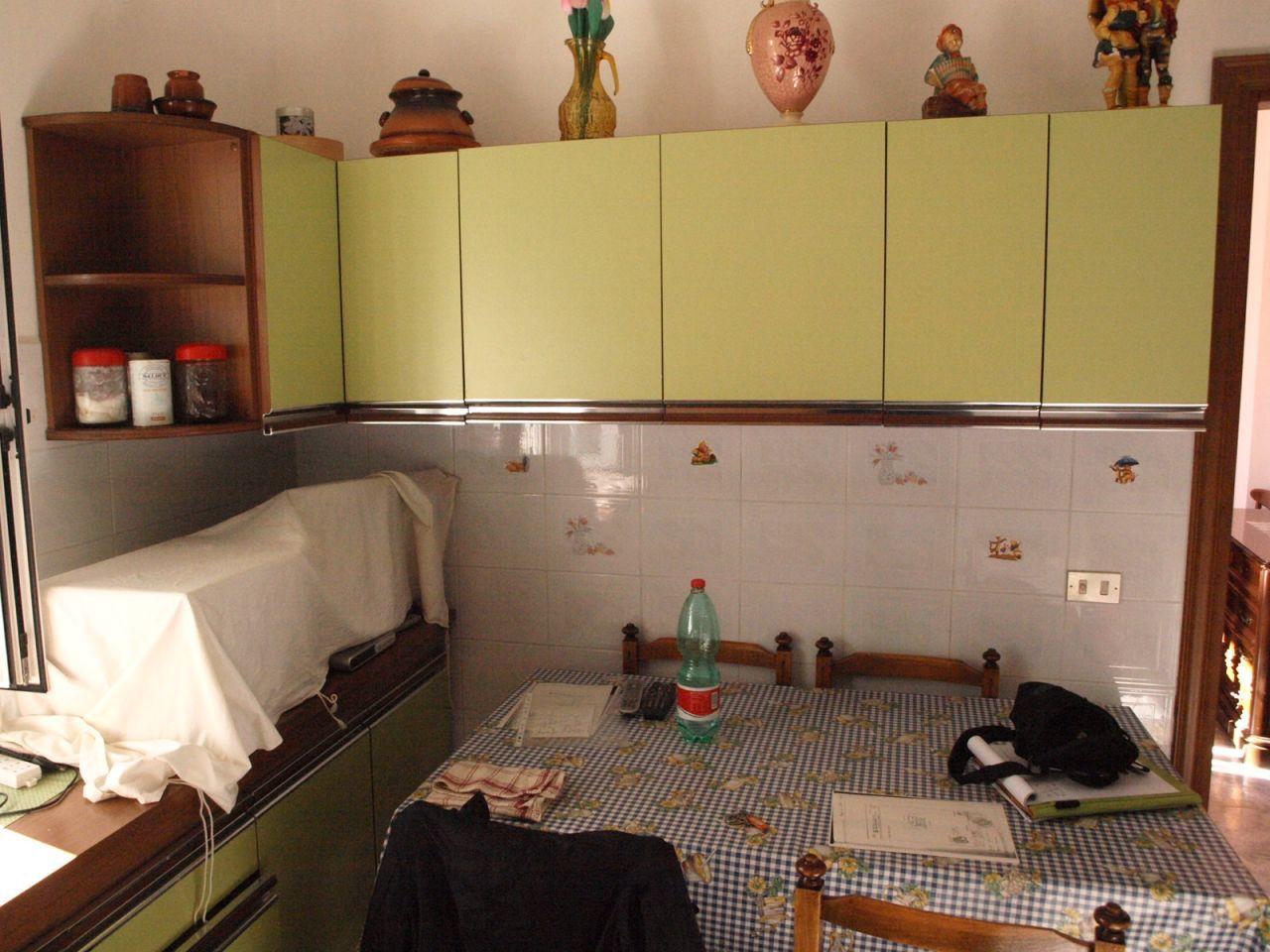 Appartamento in buone condizioni in vendita Rif. 9116308