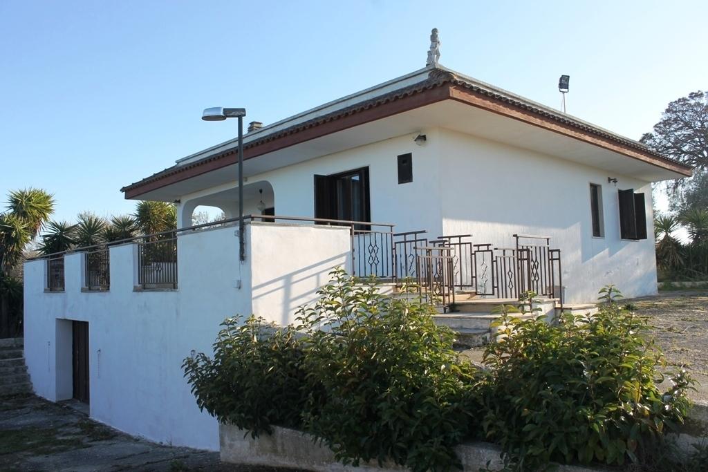 Villa da ristrutturare in vendita Rif. 12389196