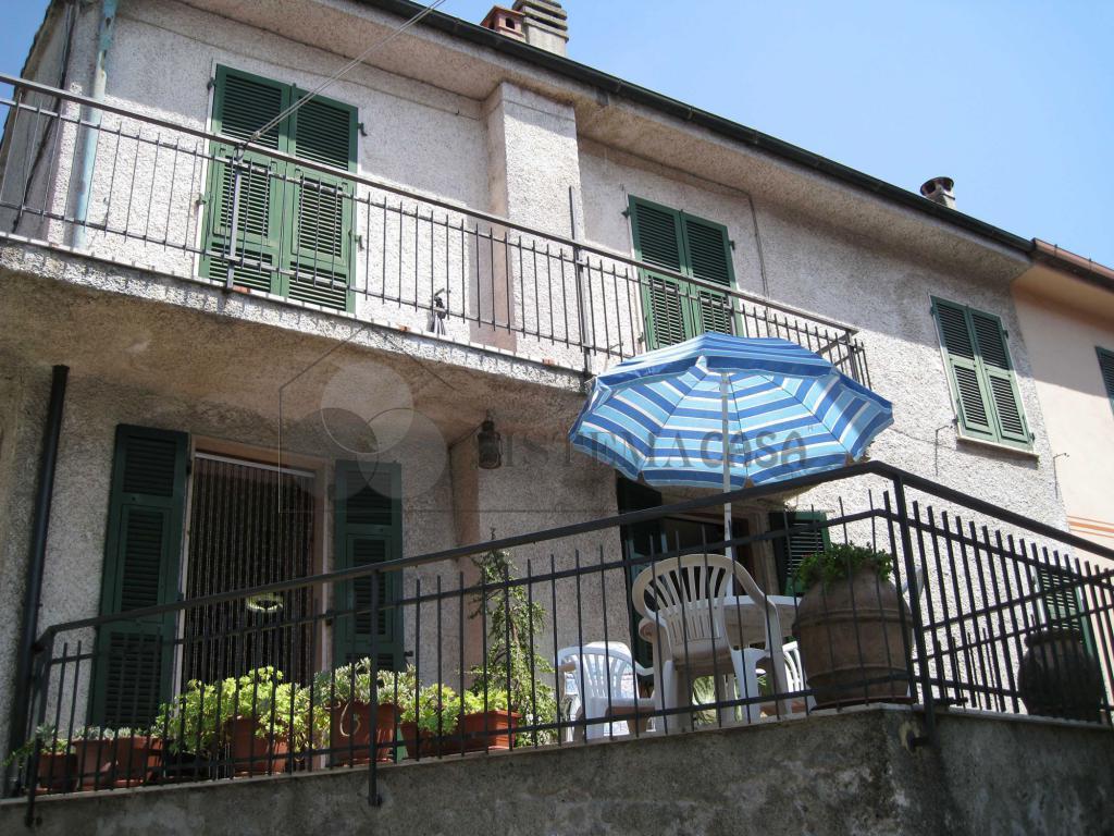 Casa di Borgo a Piana Battolla, Follo