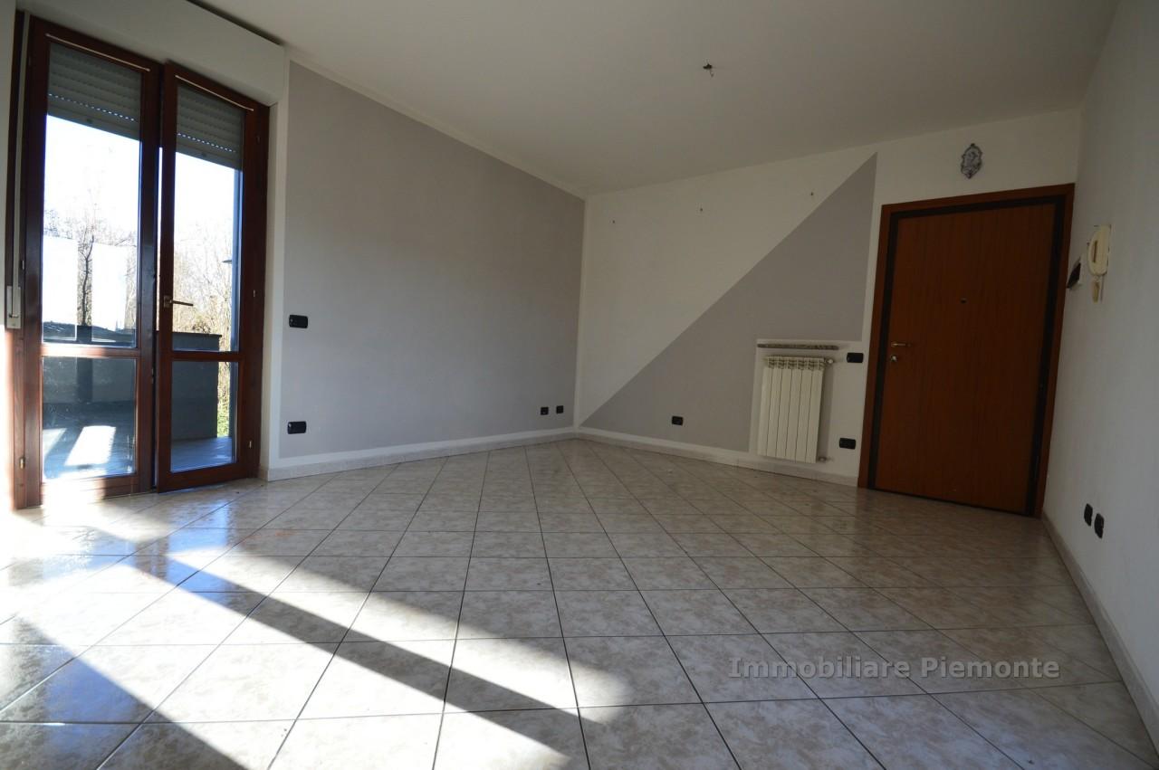 Appartamento in Affitto a Borgomanero