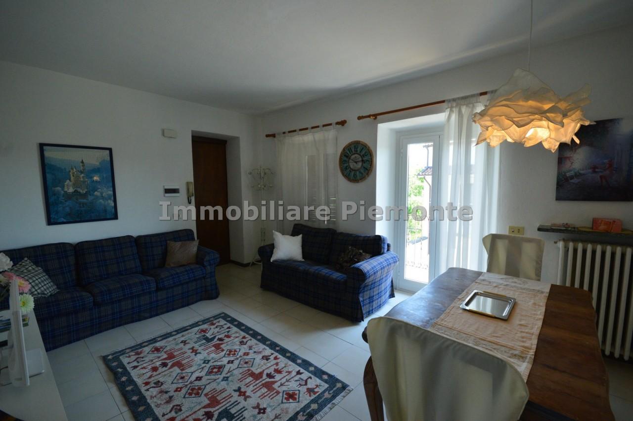 Appartamento in vendita a Borgomanero, 3 locali, prezzo € 60.000 | CambioCasa.it