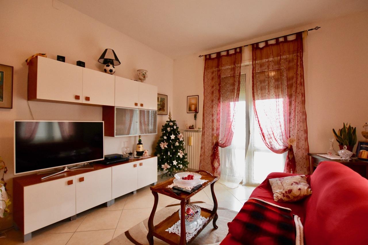Appartamento in buone condizioni in vendita Rif. 8828141