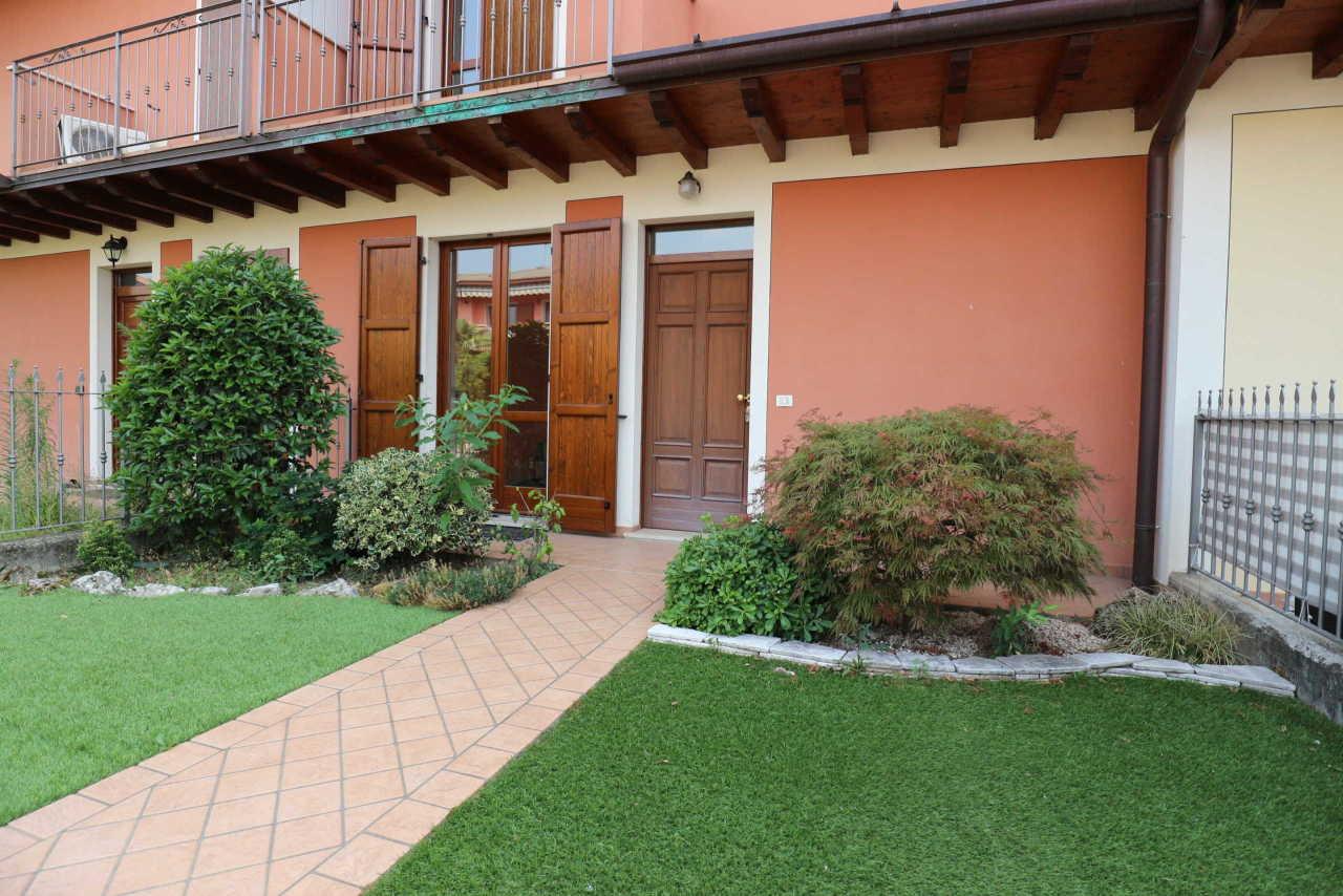 Villetta a schiera in ottime condizioni in vendita Rif. 10808811