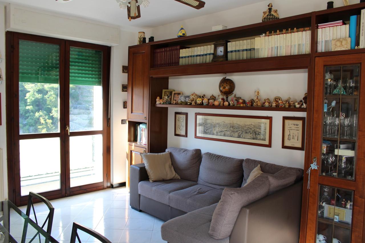 Appartamento in vendita a Recco, 9999 locali, prezzo € 195.000 | CambioCasa.it