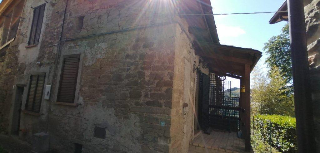 Soluzione Semindipendente in vendita a Varano de' Melegari, 4 locali, prezzo € 65.000 | CambioCasa.it
