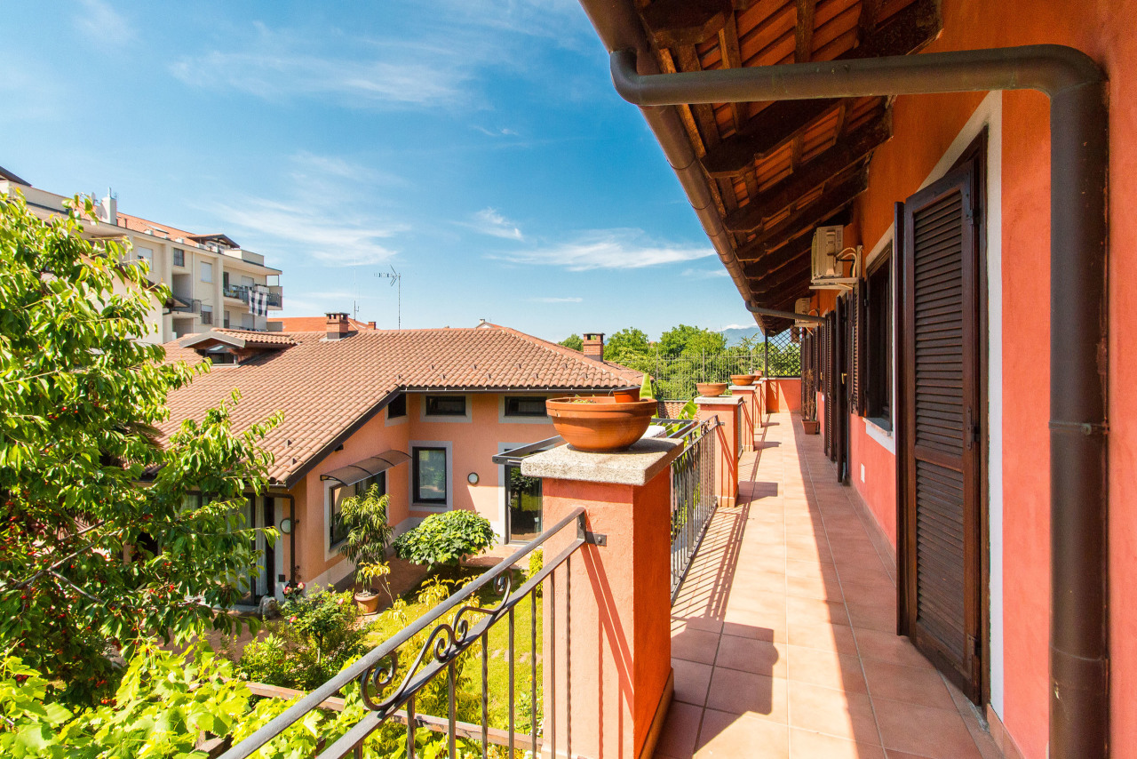 Soluzione Indipendente in vendita a Caselle Torinese, 9999 locali, prezzo € 360.000 | PortaleAgenzieImmobiliari.it