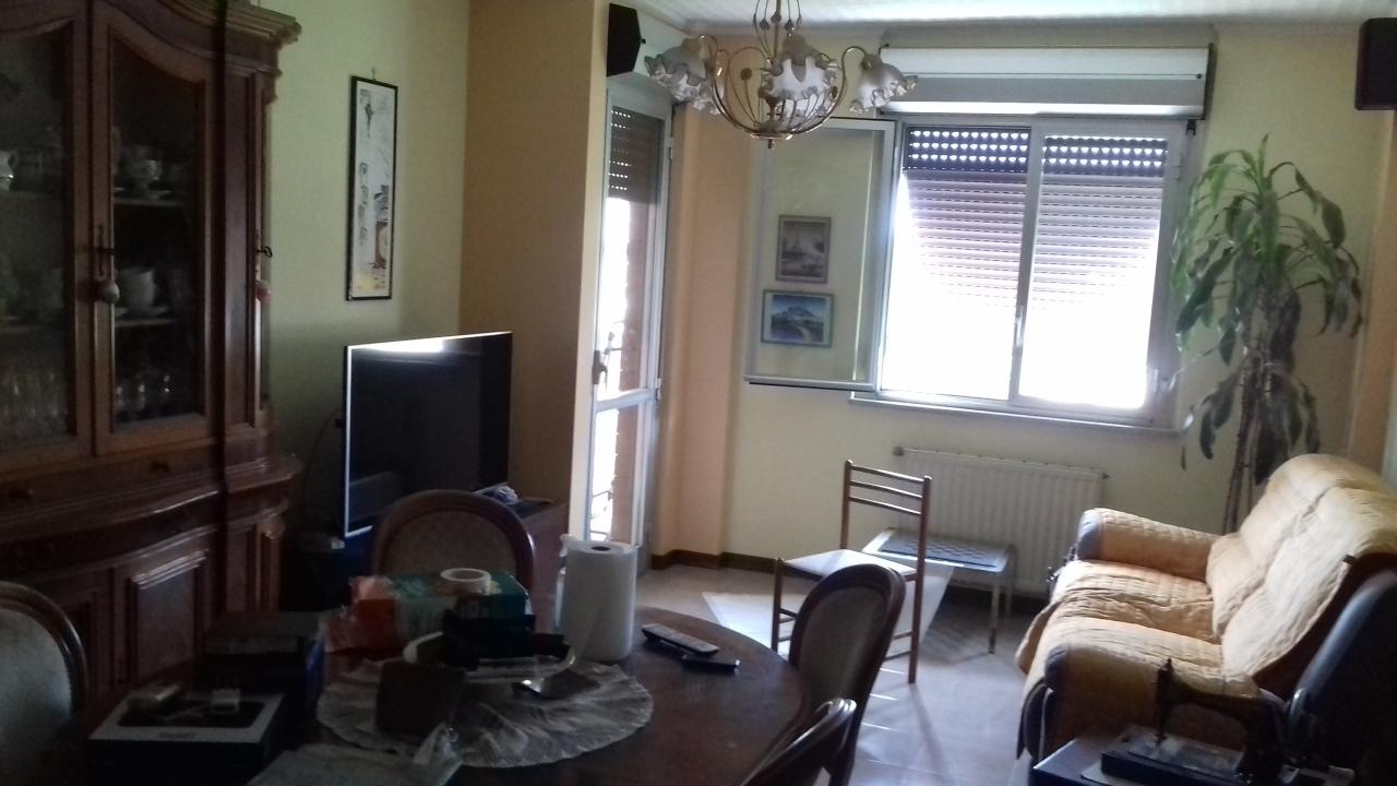 Appartamento in vendita a Terni, 5 locali, prezzo € 97.000 | PortaleAgenzieImmobiliari.it