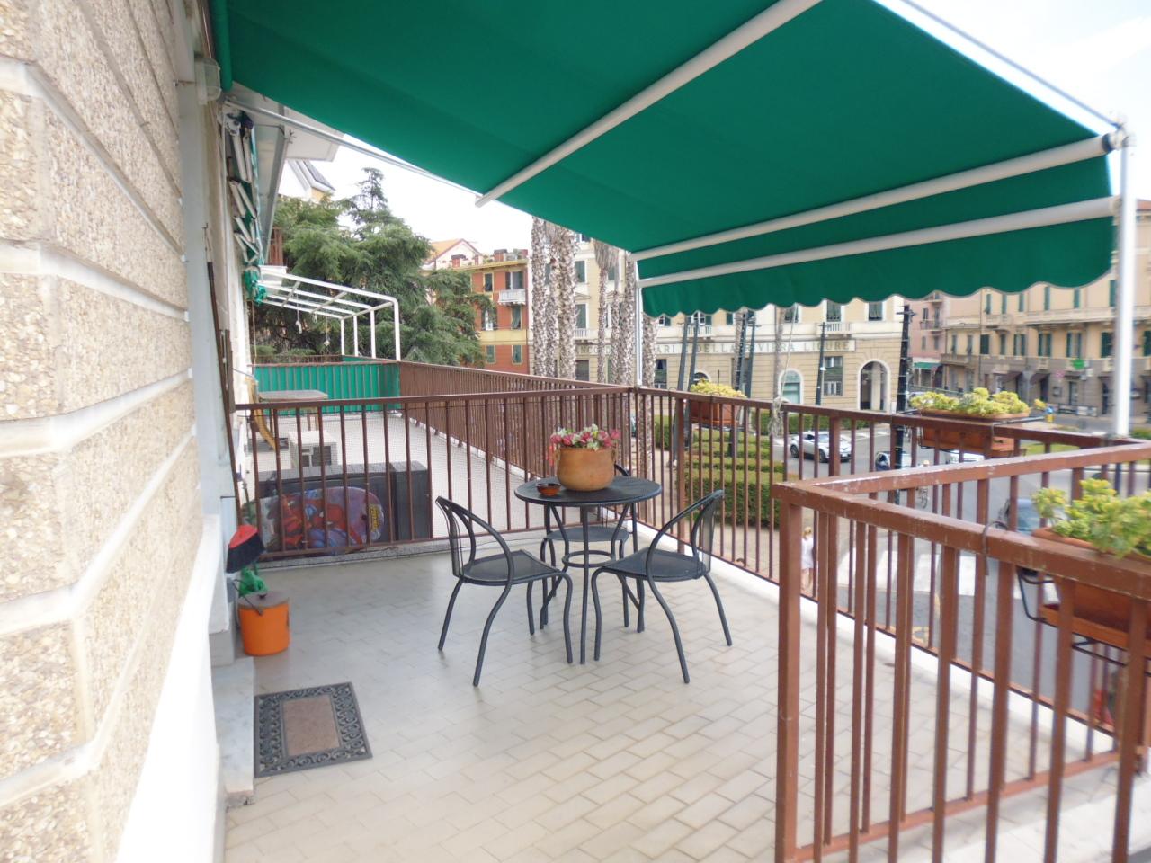 Appartamento in affitto a Sestri Levante, 4 locali, prezzo € 750 | CambioCasa.it