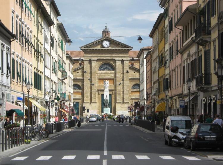 Locale commerciale - 2 Vetrine a Corso Amedeo, Livorno Rif. 4161307