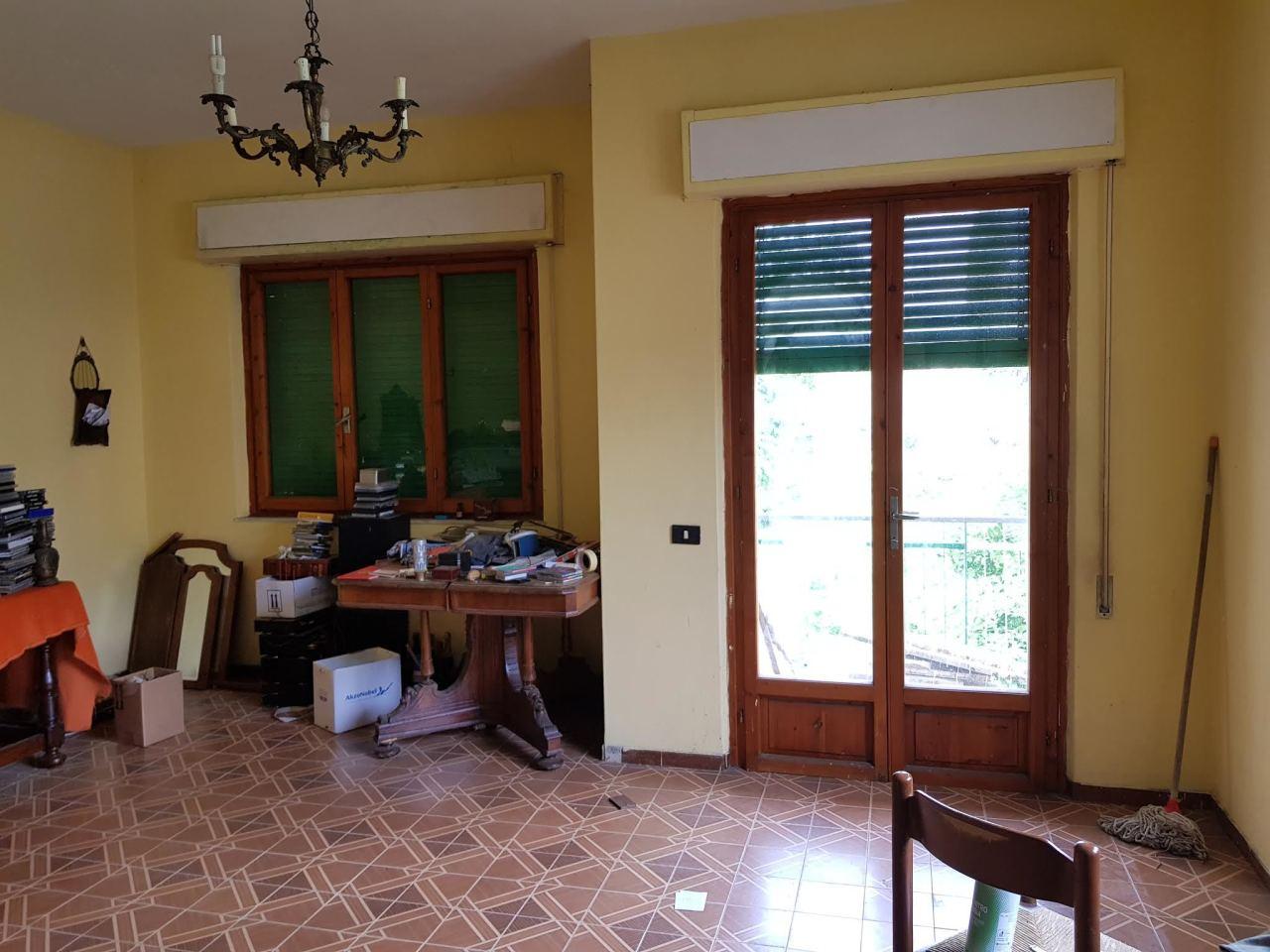 Villa in buone condizioni in vendita Rif. 10508422