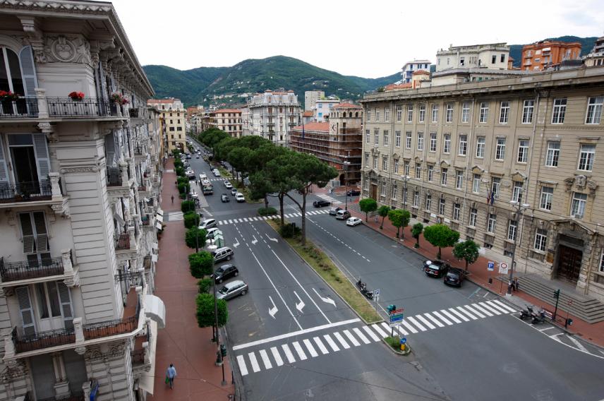 Appartamento - Pentalocale a CENTRO, La Spezia