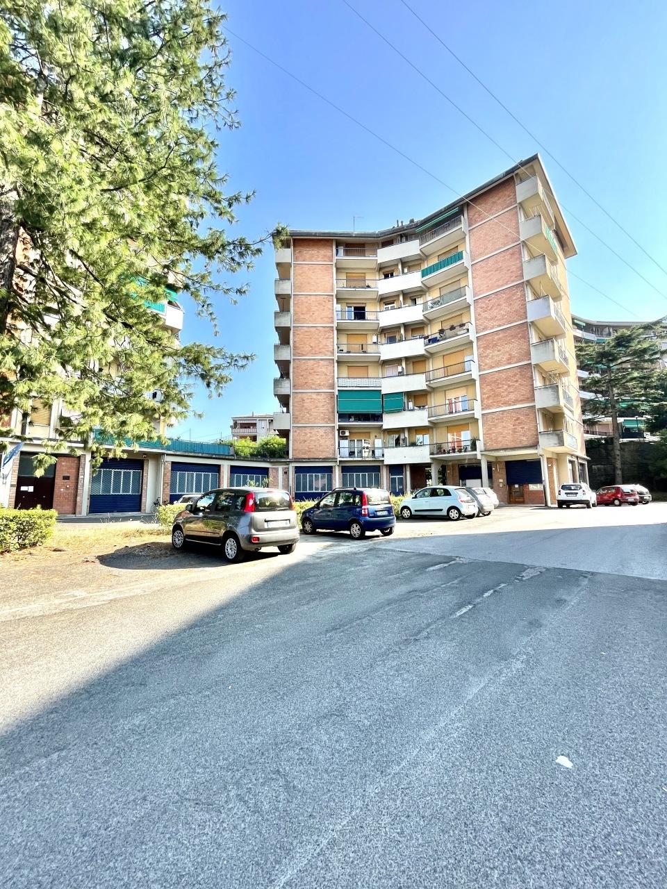 Appartamento in vendita a La Spezia, 4 locali, prezzo € 125.000 | PortaleAgenzieImmobiliari.it