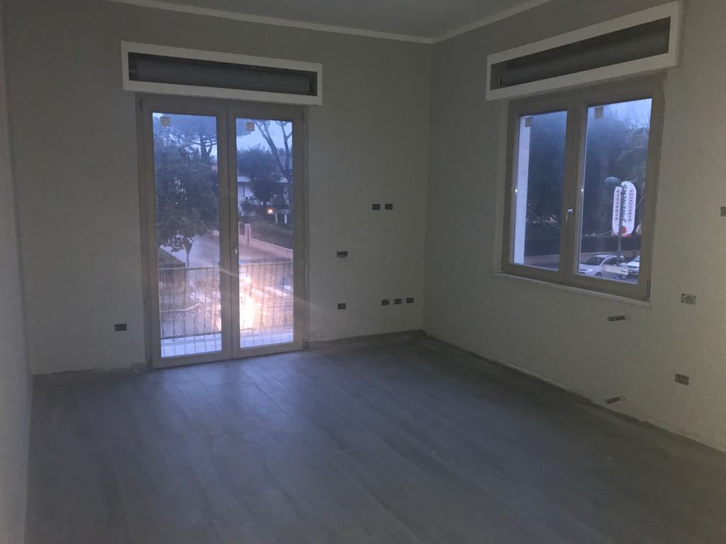 Appartamento in ottime condizioni arredato in affitto Rif. 5452499