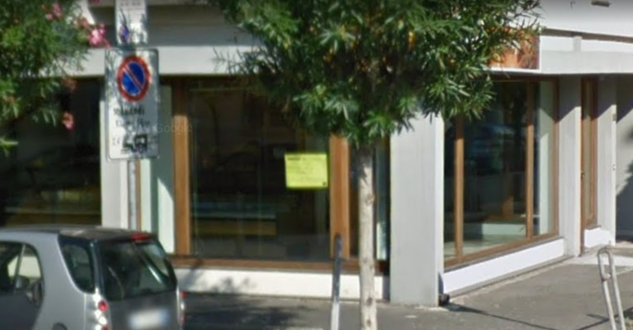Locale commerciale - 3 Vetrine a Viareggio Mare, Viareggio Rif. 10412661