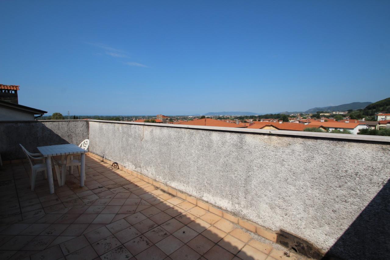 Appartamento a Capanne, Montignoso