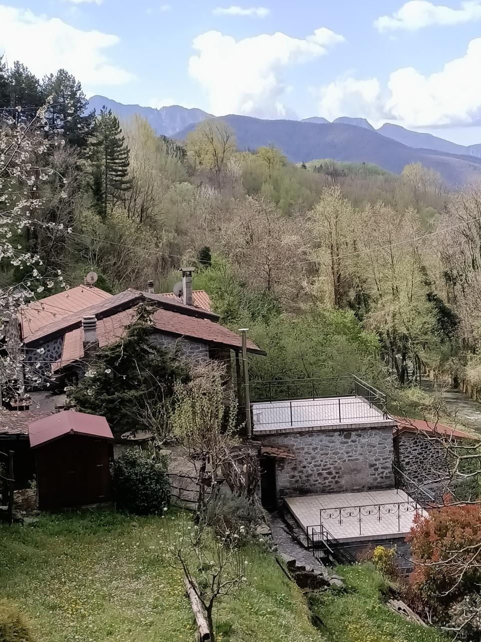 Rustico / Casale in vendita a Casola in Lunigiana, 11 locali, prezzo € 210.000 | PortaleAgenzieImmobiliari.it