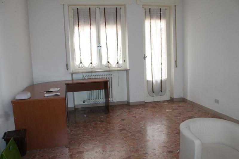 Appartamento in affitto a Jesi, 9999 locali, prezzo € 350 | CambioCasa.it