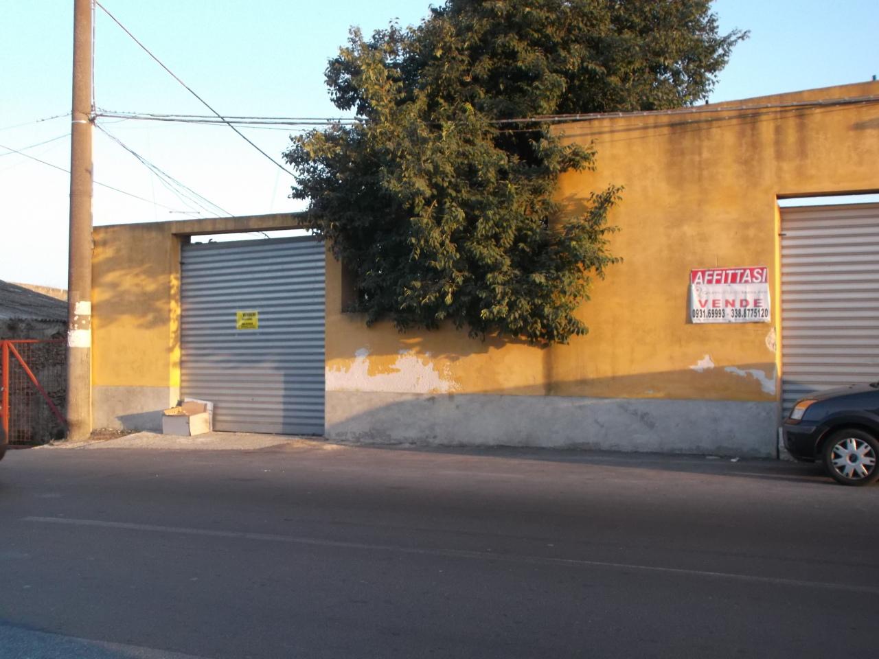 Capannone / Fondo - Industriale/Artigianale a COLUMBA - PAOLO ORSI, Siracusa