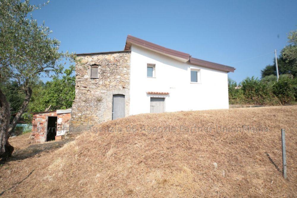Rustico / Casale in vendita a Arcola, 3 locali, prezzo € 130.000 | CambioCasa.it