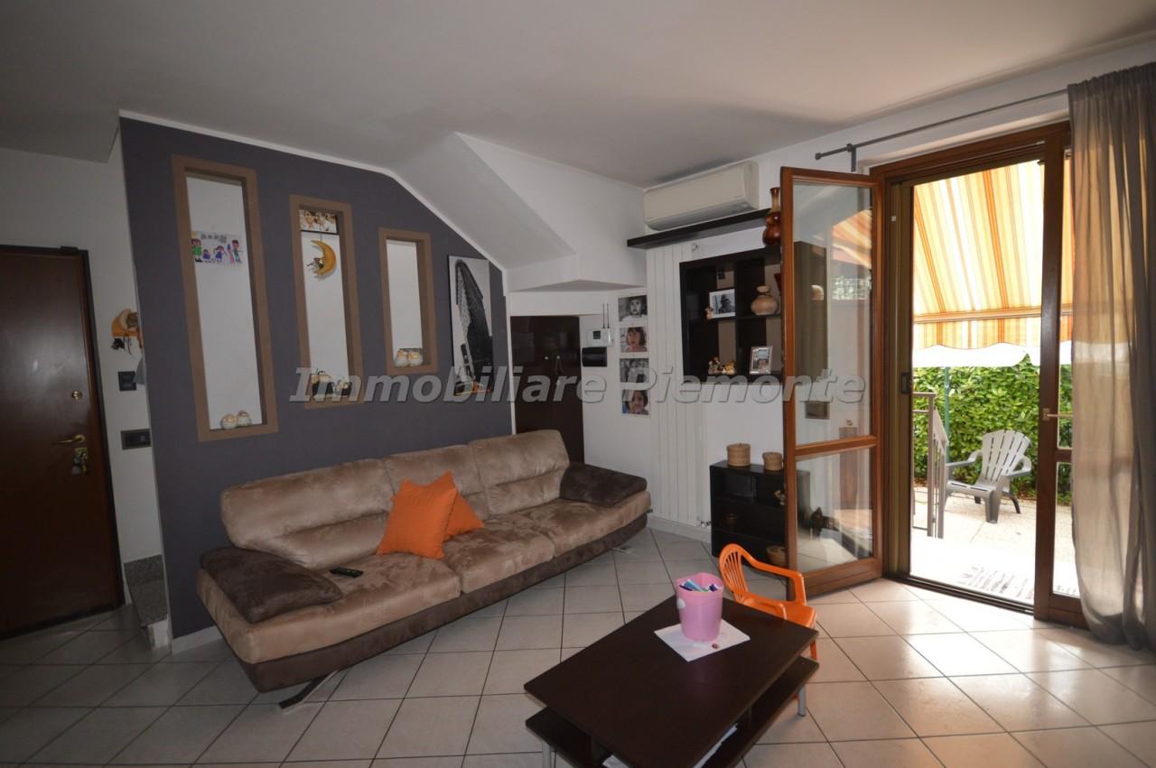 Villa a Schiera in vendita a Castelletto Sopra Ticino, 4 locali, prezzo € 148.000 | CambioCasa.it