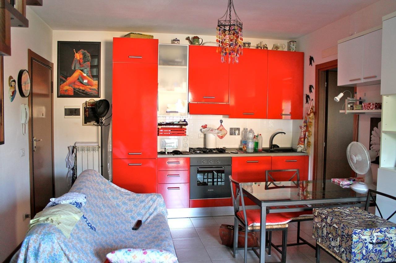 Appartamento in ottime condizioni in vendita Rif. 8859052