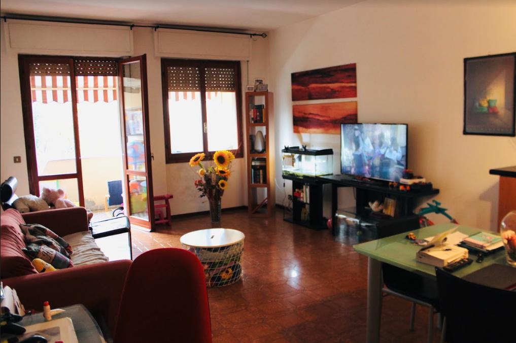 Appartamento in buone condizioni in vendita Rif. 9209097