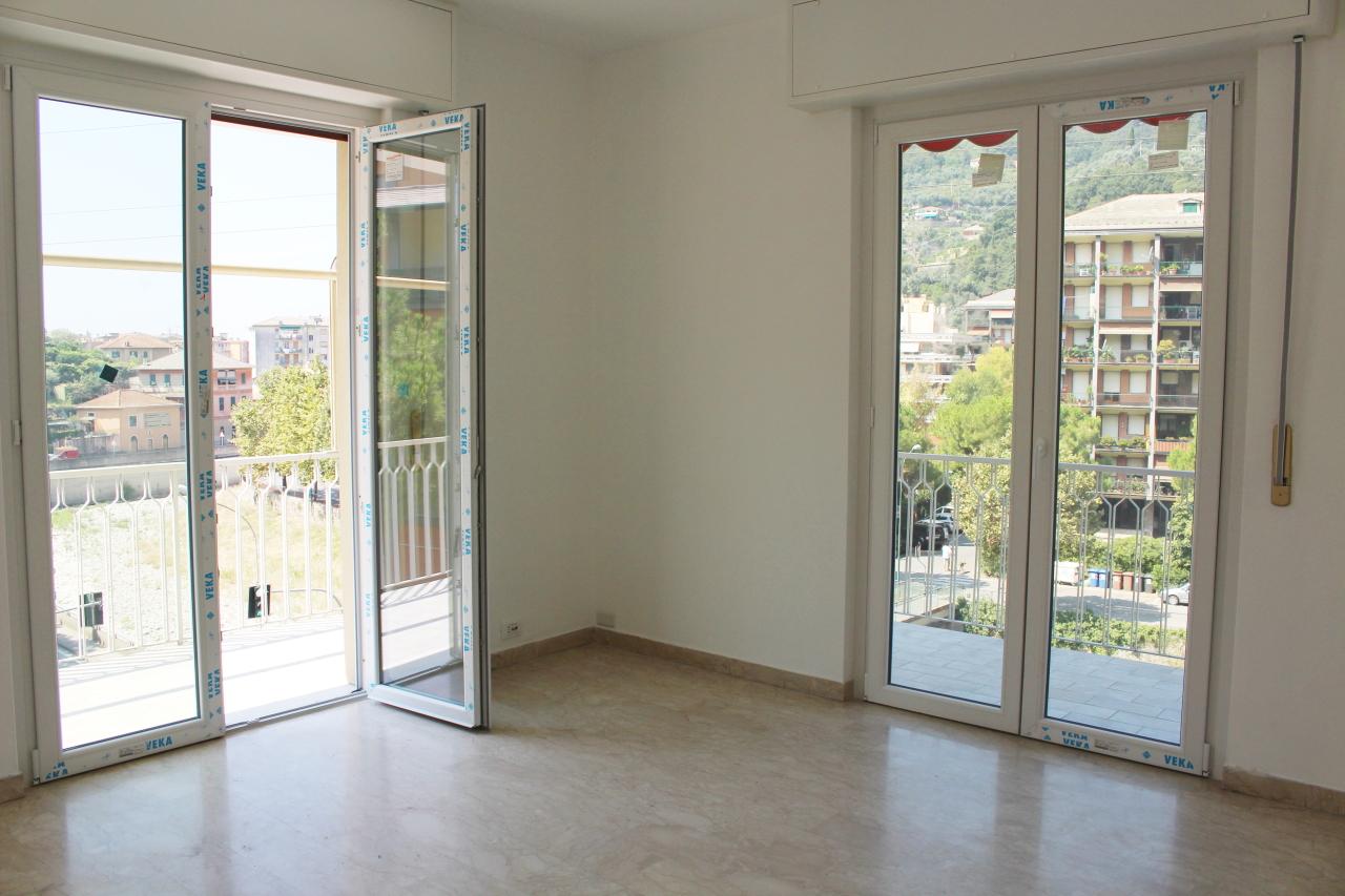 Appartamento in affitto a Recco, 3 locali, prezzo € 500 | CambioCasa.it