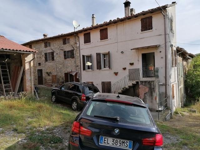 Soluzione Semindipendente in Vendita a Varano de' Melegari