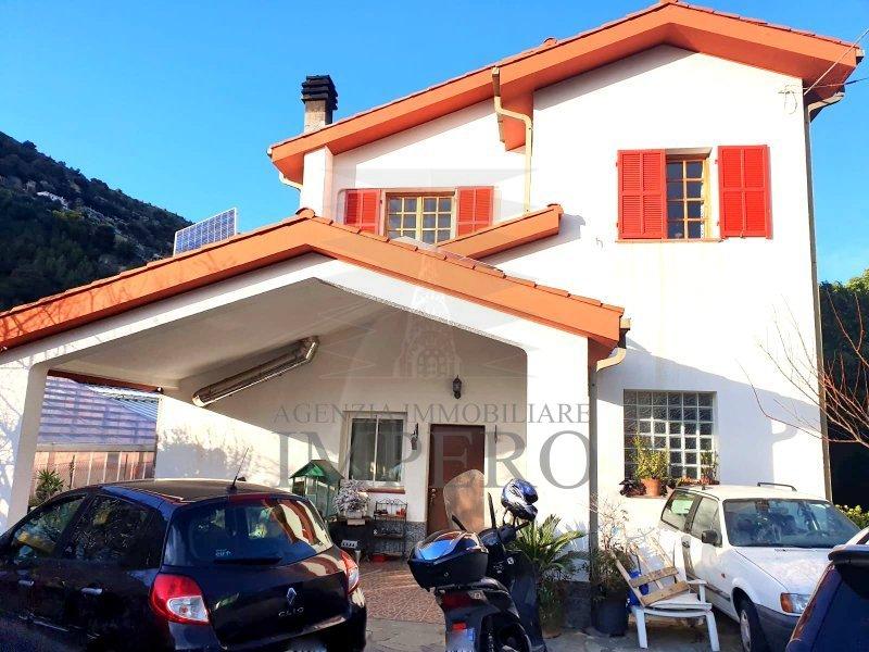 Soluzione Indipendente in vendita a Vallecrosia, 6 locali, prezzo € 300.000   PortaleAgenzieImmobiliari.it