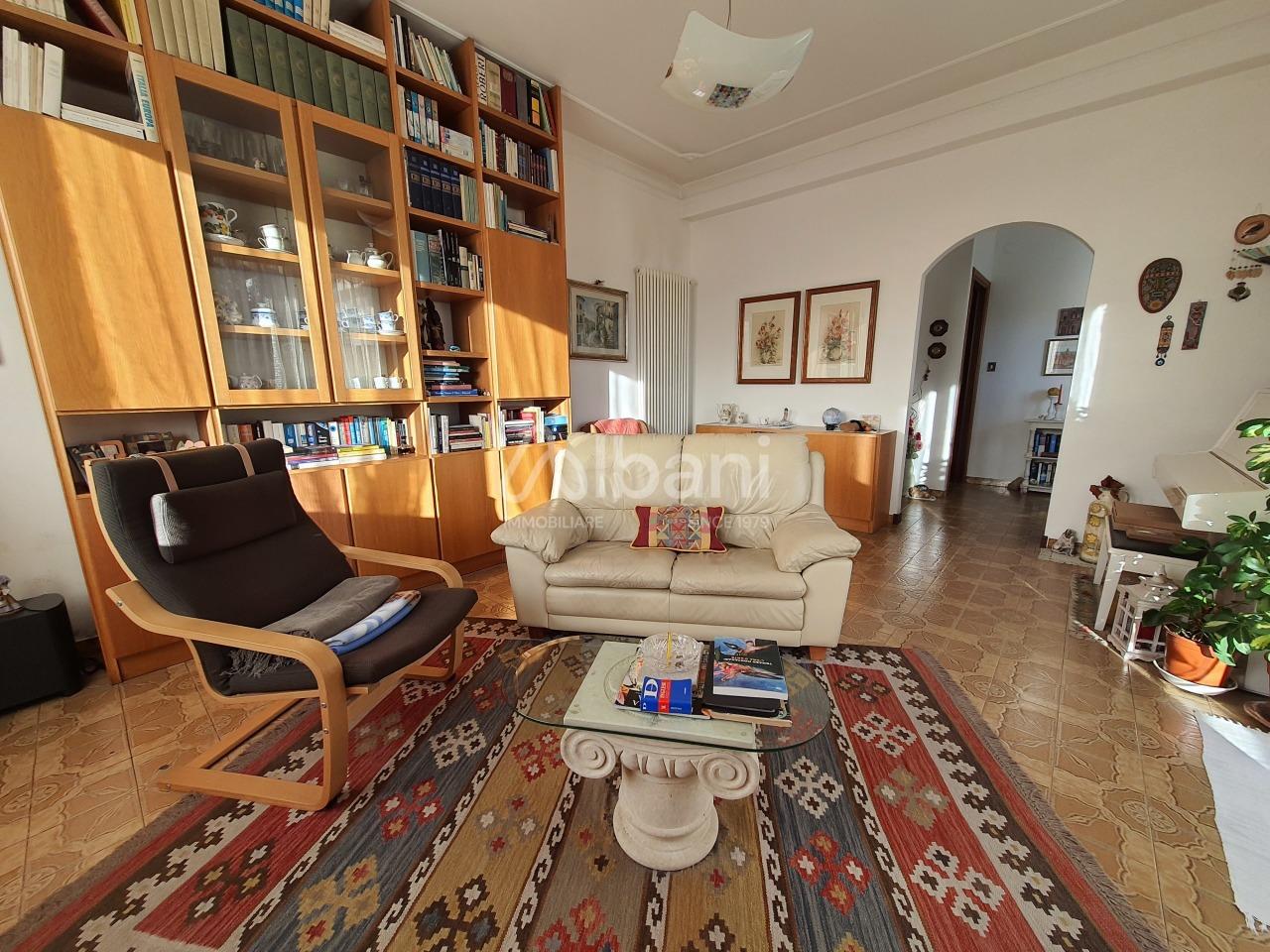 Appartamento in vendita a Vezzano Ligure, 4 locali, prezzo € 150.000 | PortaleAgenzieImmobiliari.it