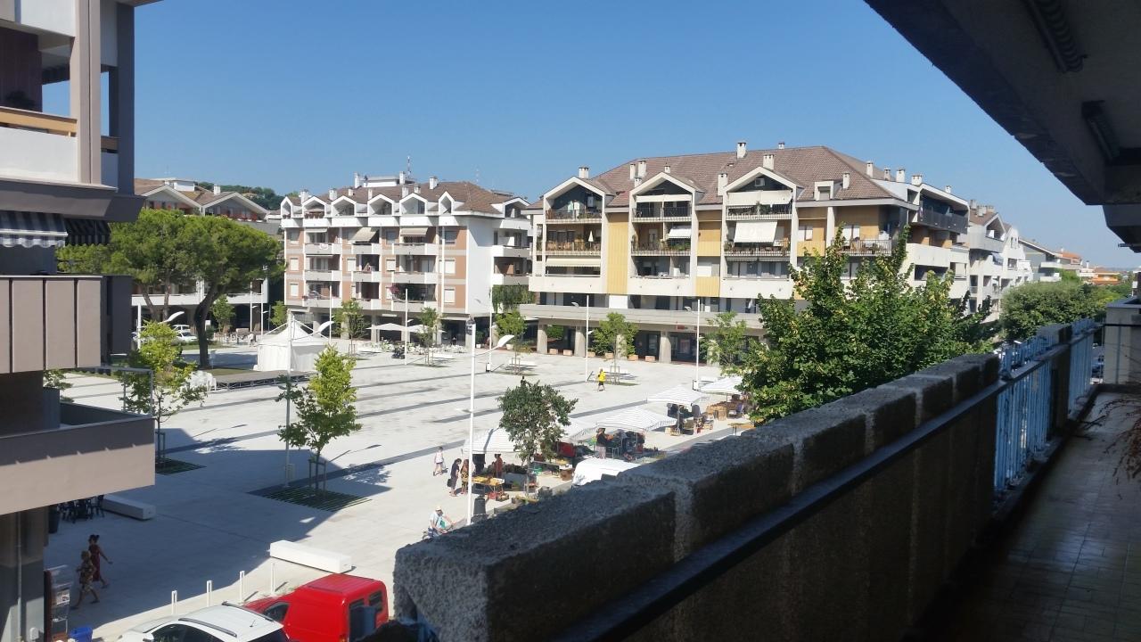 Appartamento in buone condizioni in vendita Rif. 9517226