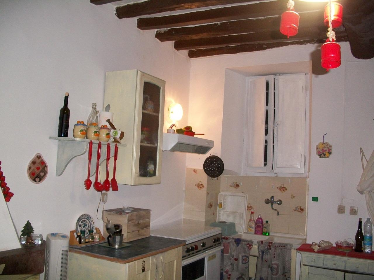 Casa Indipendente in buone condizioni in vendita Rif. 10445670