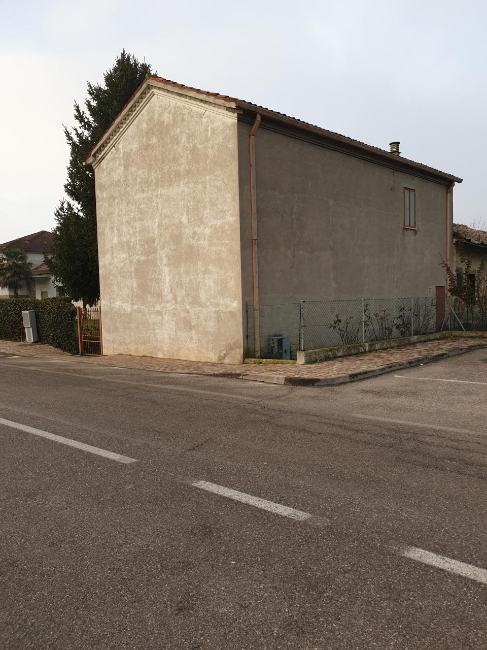 Soluzione Indipendente in vendita a Pontecchio Polesine, 5 locali, prezzo € 55.000 | CambioCasa.it