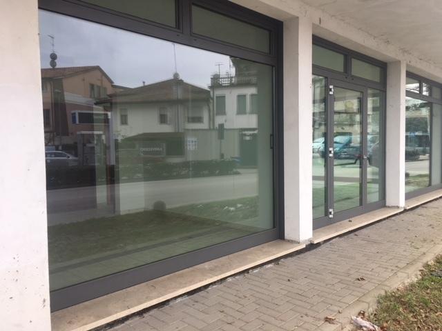 Locale commerciale - 3 Vetrine a Rovigo Rif. 8463431