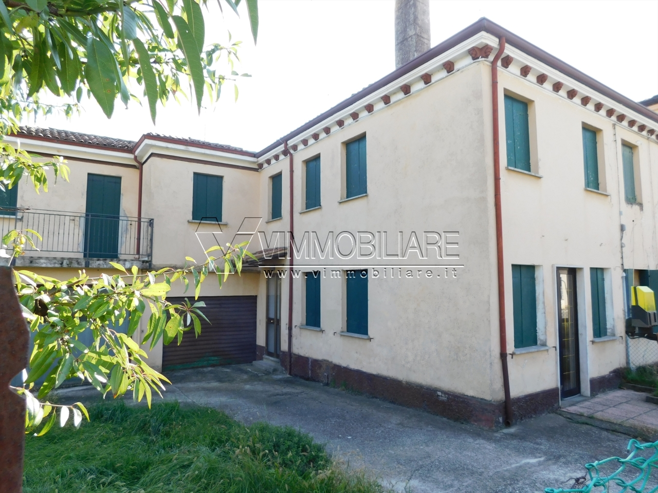 Villetta a schiera in discrete condizioni in vendita Rif. 9418825