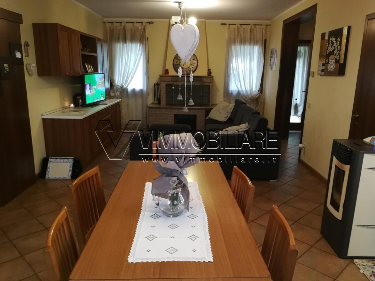 Rustico / Casale in buone condizioni in affitto Rif. 11109524