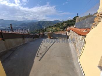 Immagine di Semindipendente Porzione di casa In Vendita Castellaro (IM)  non disponibile