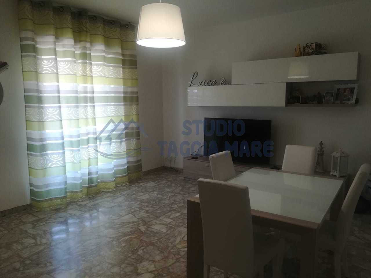 Appartamento in vendita a Taggia, 5 locali, prezzo € 209.000 | CambioCasa.it