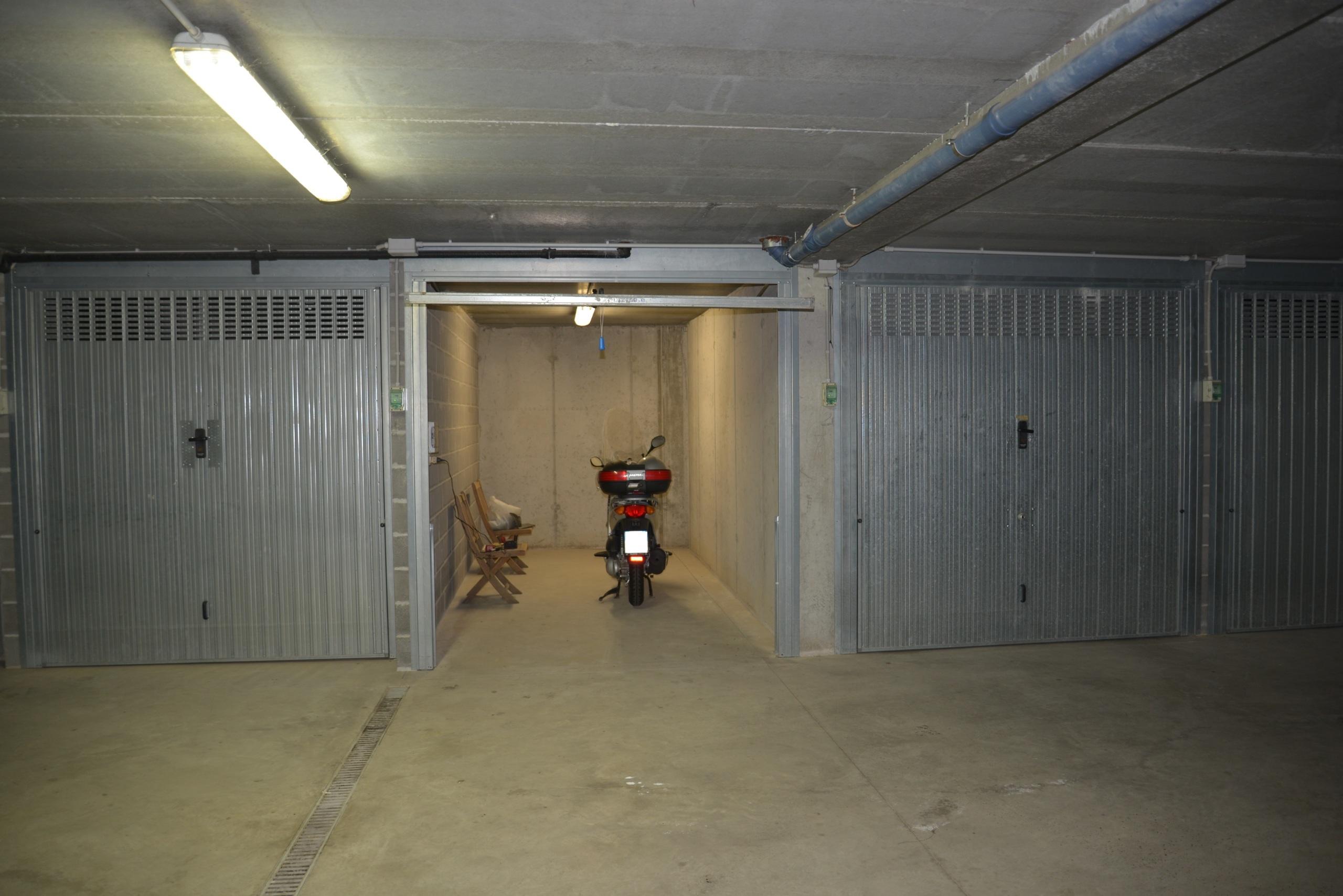 Garage / Posto Auto - Vado Ligure