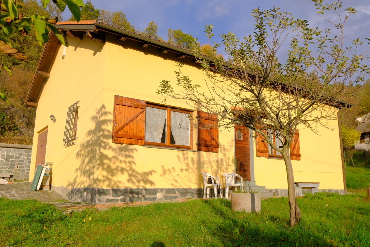 Villa in vendita a Urbe, 7 locali, prezzo € 145.000 | PortaleAgenzieImmobiliari.it
