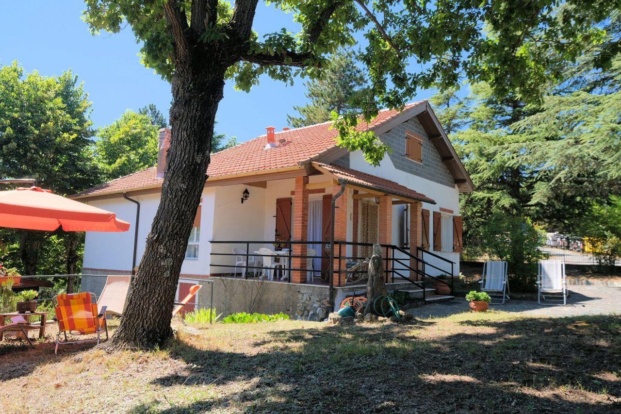 Villa in vendita a Ponzone, 8 locali, prezzo € 115.000 | PortaleAgenzieImmobiliari.it