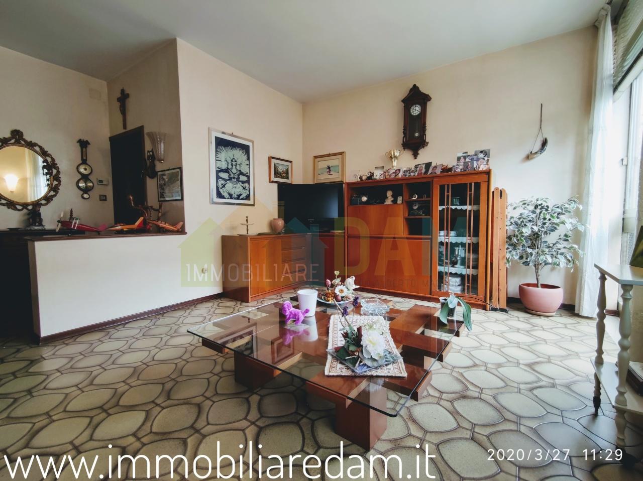 Bilocale in buone condizioni arredato in affitto Rif. 12393413