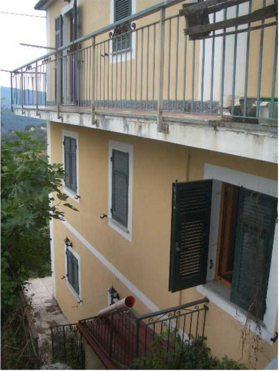 Casa Indipendente in discrete condizioni in vendita Rif. 10715755