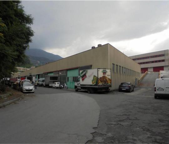 Capannone / Fondo - Industriale/Artigianale a Genova Rif. 12212650