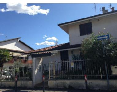 Villetta a schiera in buone condizioni in vendita Rif. 12225078