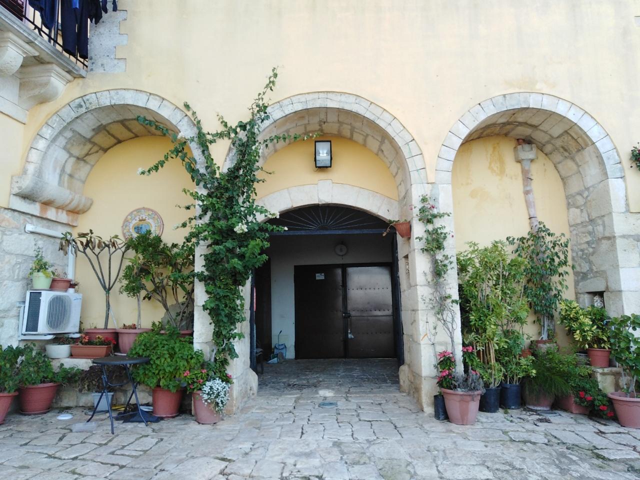 Casa Indipendente in ottime condizioni arredato in affitto Rif. 8801890