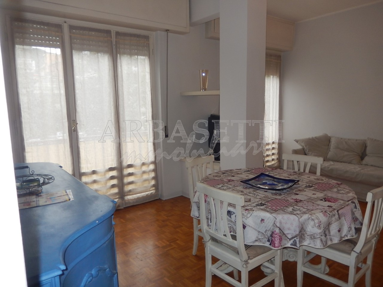 Appartamento in buone condizioni in vendita Rif. 10275126