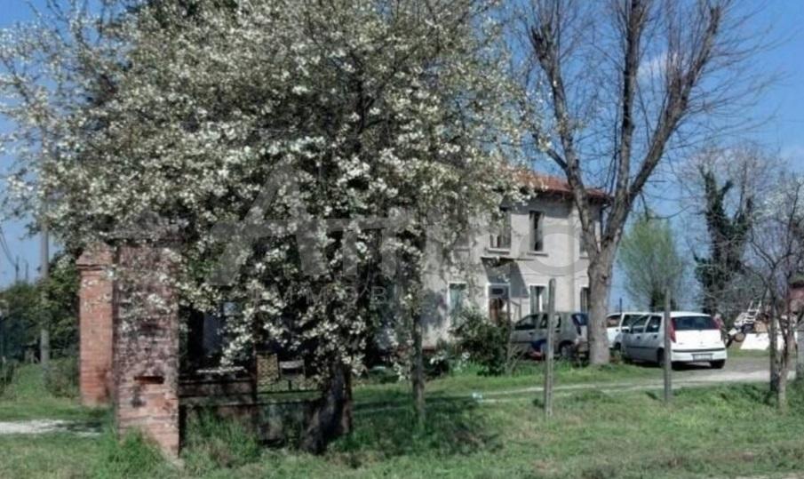 Rustico / Casale in discrete condizioni in vendita Rif. 9707241